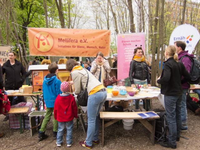 Mellifera Berlin Infostand @ Pflanzentauschmarkt Prinzessinnengärten 2017